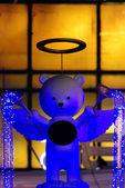 ängeln bära docka med belysning — Stockfoto