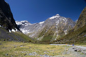 Mountain range at the Milford Road west of the Homer Tunnel — Stock Photo