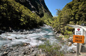 Mountain stream at the Milford Road — Stock Photo