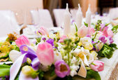 Wedding decoration with flowers and candles — Stok fotoğraf