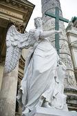 Angel statue neat The St. Charles's Church (Karlskirche), Vienn — Stock Photo