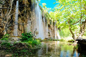 Beautiful waterfall in the Plitvice Lakes National Park in Croatia — Stock Photo