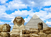 Sphinx and the Great pyramid in Egypt - Giza — Stock Photo