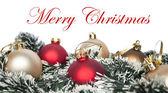 Noel süsler ile üzerine beyaz izole çelenk — Stok fotoğraf