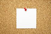 Empty memo note on cork board — Stock Photo
