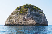 Small island in waters of Zakythos island in Greece — Stock Photo