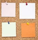 Blank memo notes on cork board — Stock Photo