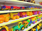 Leksaksbilar i butik — Stockfoto