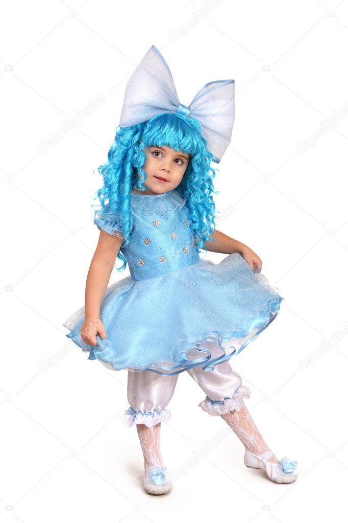 花式的穿裙子的小女孩
