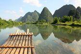 Bamboo rafting on Li-river, Yangshou, China — Stock Photo
