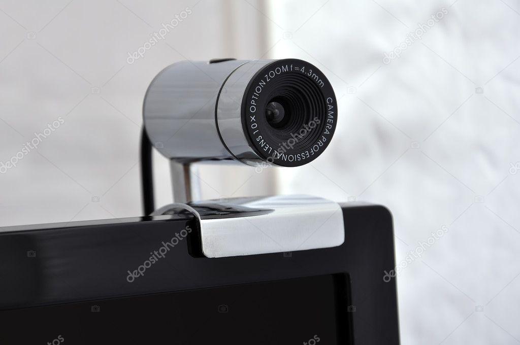 固定在显示器上的摄像头