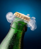 Opening of beer cap — Foto Stock