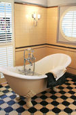 Bath room in classic style — Stock Photo