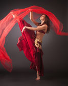 Beautiful young belly dancer, modern ballet — Stock Photo