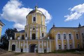Wewnętrzny dziedziniec klasztoru — Zdjęcie stockowe