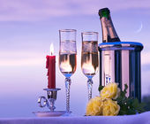 Art happy romantic dinner with wine on the sky background — Stock Photo