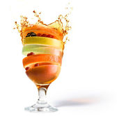 Spring fruit cocktail and fruit juice vitamin — Stock Photo