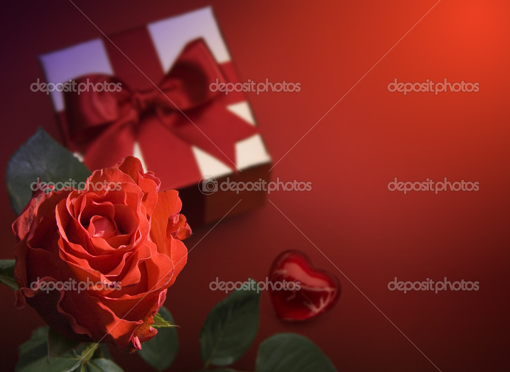 Valentine Day greeting card with red roses and heart — Stock Photo #8595930
