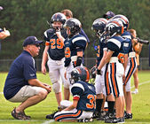 Coaching Youth League Football — Stock Photo