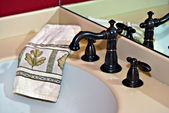 Modern Bath Sink Faucet and Towel — Stock Photo