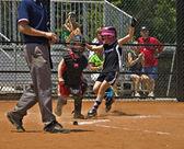 Softball Runner Making it Home — Stock Photo