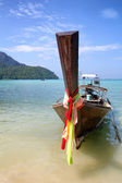 Boat in Andaman sea, Thailand — Stock Photo
