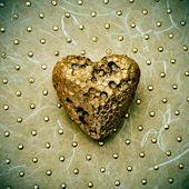 Golden heart — Stock Photo