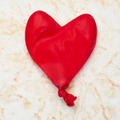 Heart-shaped balloon — Stock Photo