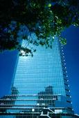 Immeuble de bureaux de grande hauteur — Photo