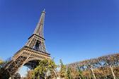 Eiffel Tower in autumn — Stock Photo