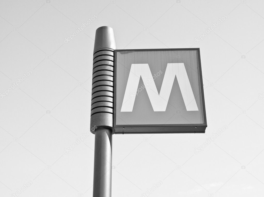 An underground subway metro tube traffic sign — Stock Photo #10477474