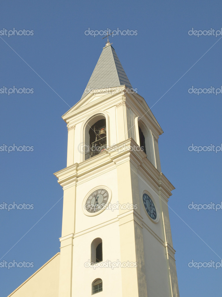 Steple of the Church of St Peter in Chains ( San Pietro in Vincoli ) in Settimo Torinese, Turin, Italy — Stock Photo #8351172