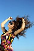 Young girl enjoys the sun — Stock Photo