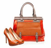 Pair of open-toe female shoes and handbag — Stock Photo