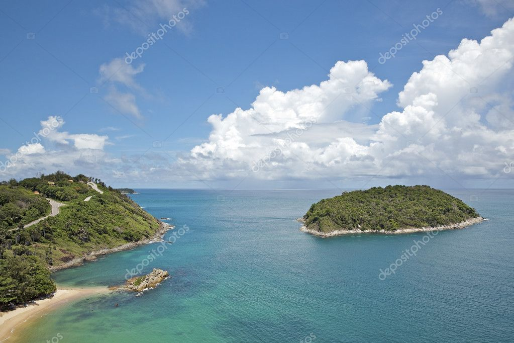 View of Yanui beach at Promthep cape. Phuket island, Thailand. — Stock Photo #8068971