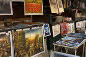Market with pictures of paris — Stock Photo