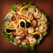 Fried shrimp on white plate in resturant - Foto Stock