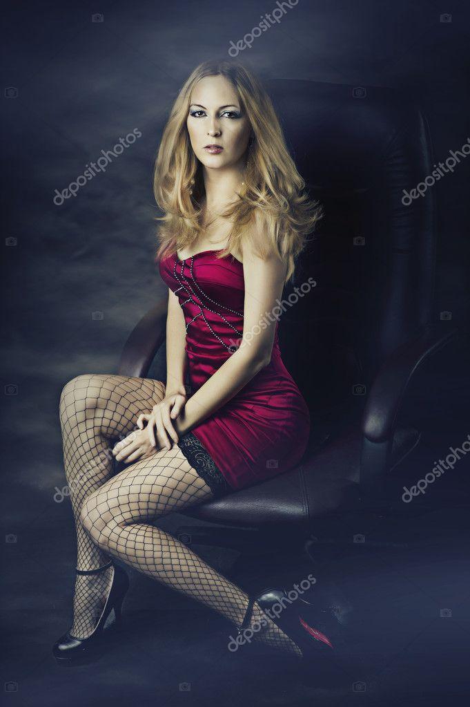 blondinka-v-setochku