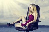 年轻性感的女人长苗条双腿 — 图库照片