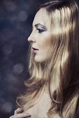 Glamour lange blonde haare — Stockfoto