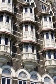 Luxury historic hotel Taj Mahal Palace in Mumbai ( formerly Bombay ), India — Stock Photo