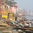 The Holy City of Varanasi and the Sacred River Ganges. — Stock Photo