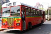 ムンバイ赤バス. — ストック写真