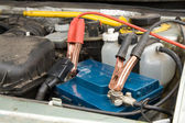 Loading the car battery — Stock Photo