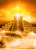 Mayan pyramid, floods and sun — Stock Photo
