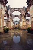 Ruins of a church in Antigua — Stock Photo