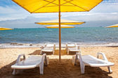 Chaise longue on the beach — Stock Photo