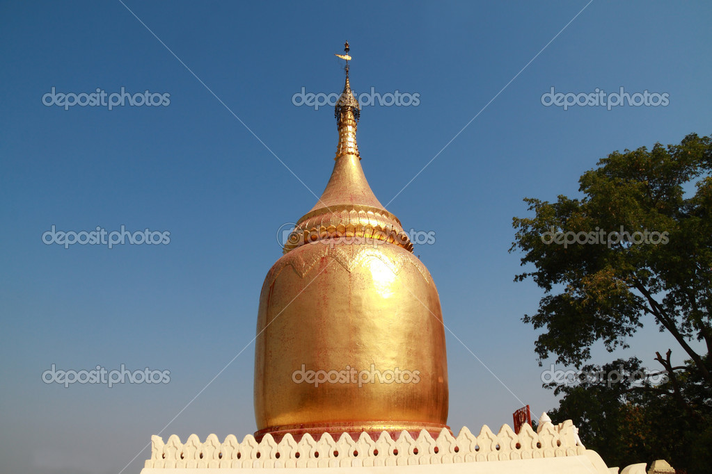 Buphaya Pagoda, Old Bagan, Myanmar — Stock Photo #9666503
