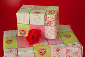 Presents wrapped in pink gift paper - 8 — Stockfoto