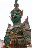 Reusachtige standbeeld. — Stockfoto
